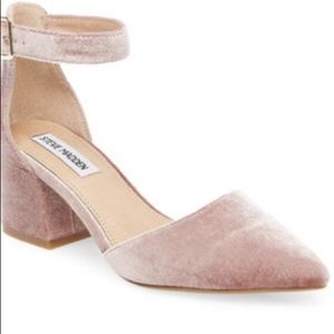 Steve Madden Dainna Taupe Flat Heel Size 8.5